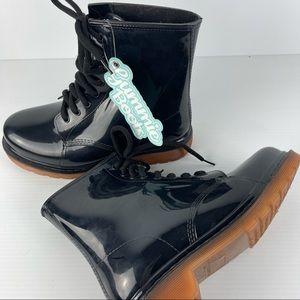 Gummie Combat Boots Size 9 - BNWT Patent Look